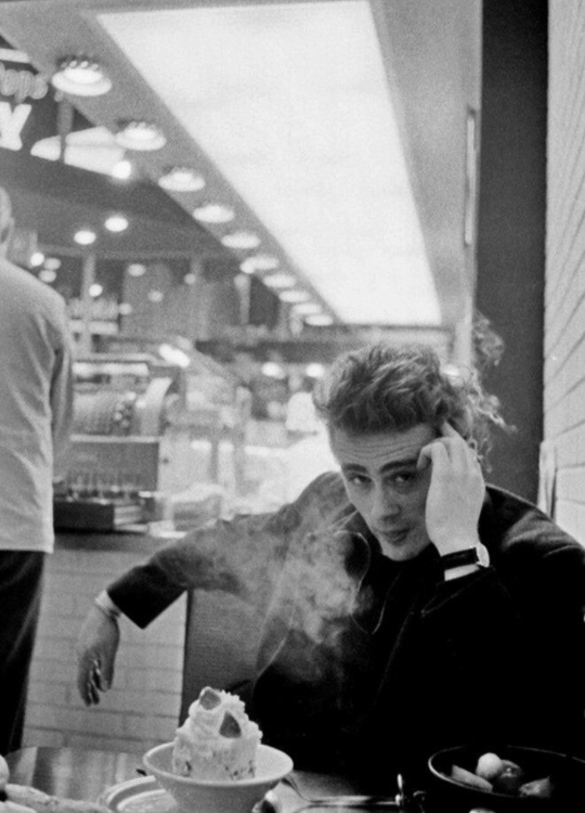 James Dean, 1955. - atmansayd | ello