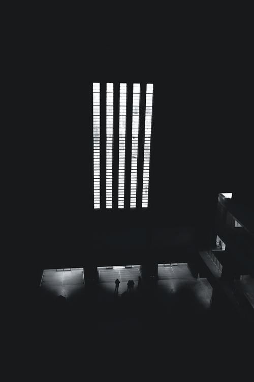 Quantum Slits Turbine Hall, Tat - skuggzi | ello