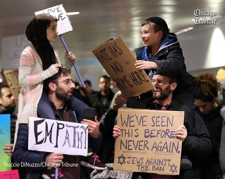story viral photo Muslim Jewish - chicagotribune | ello