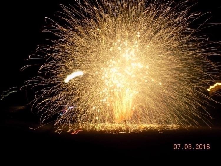 Fireworks - mindy2886 | ello