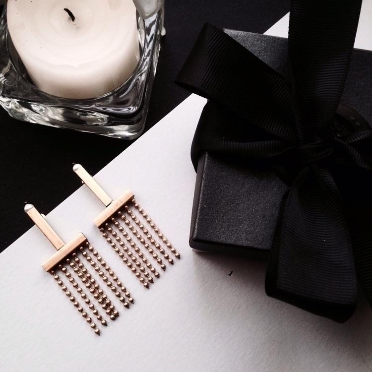 Earrings Linda. online monadsho - monad_design | ello