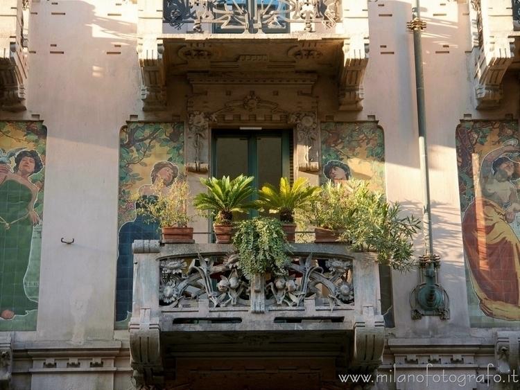Milan (#Italy): Art Noveau balc - milanofotografo | ello