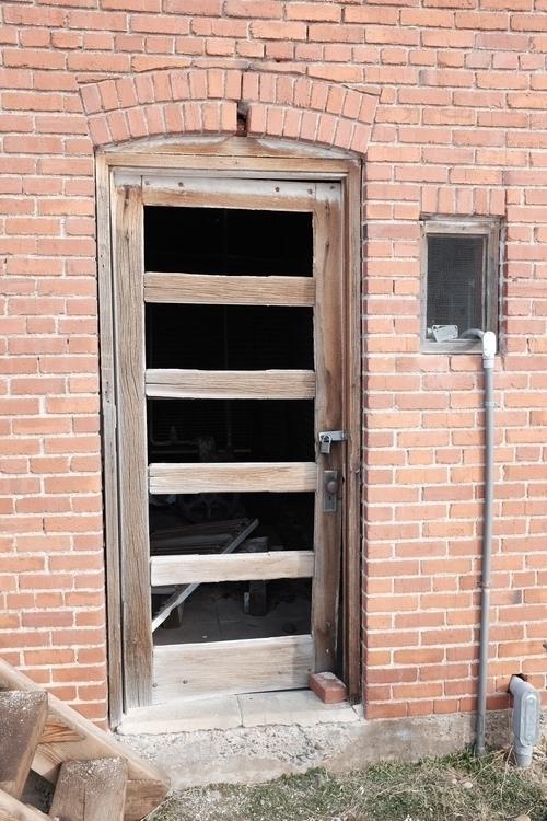 Abandoned Dangberg ranch slaugh - brickie | ello