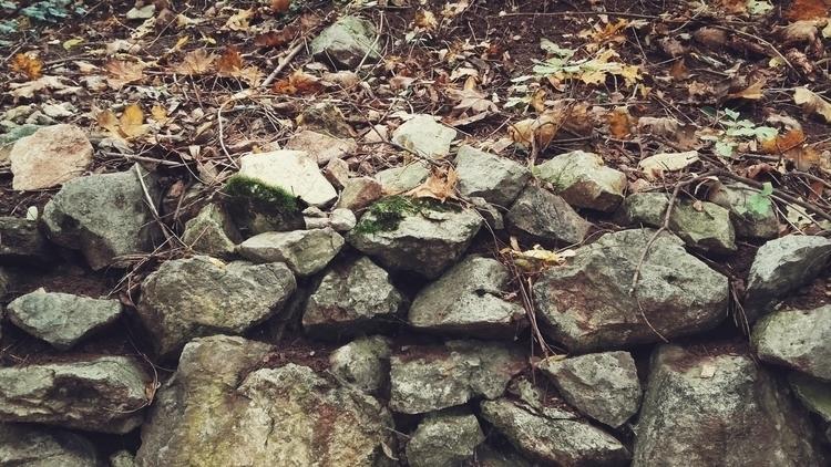niškabanja serbia stones autumn - d--d | ello