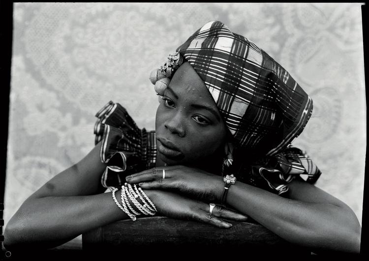 Seydou Keïta Malian woman portr - blackartmatters | ello
