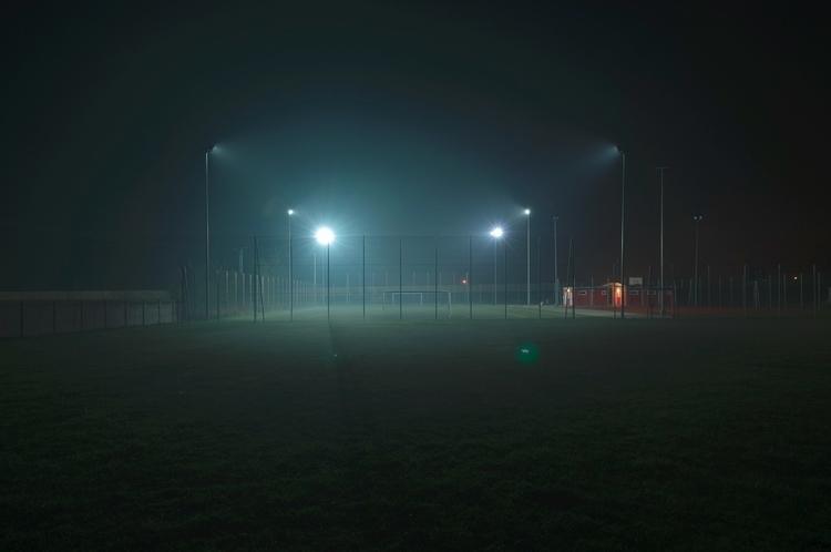 photo night dark suburban longe - charnas | ello