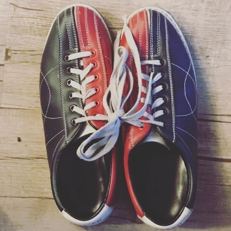 🎳 🇱🇺 - bowling, Luxembourg - ttellefsen | ello