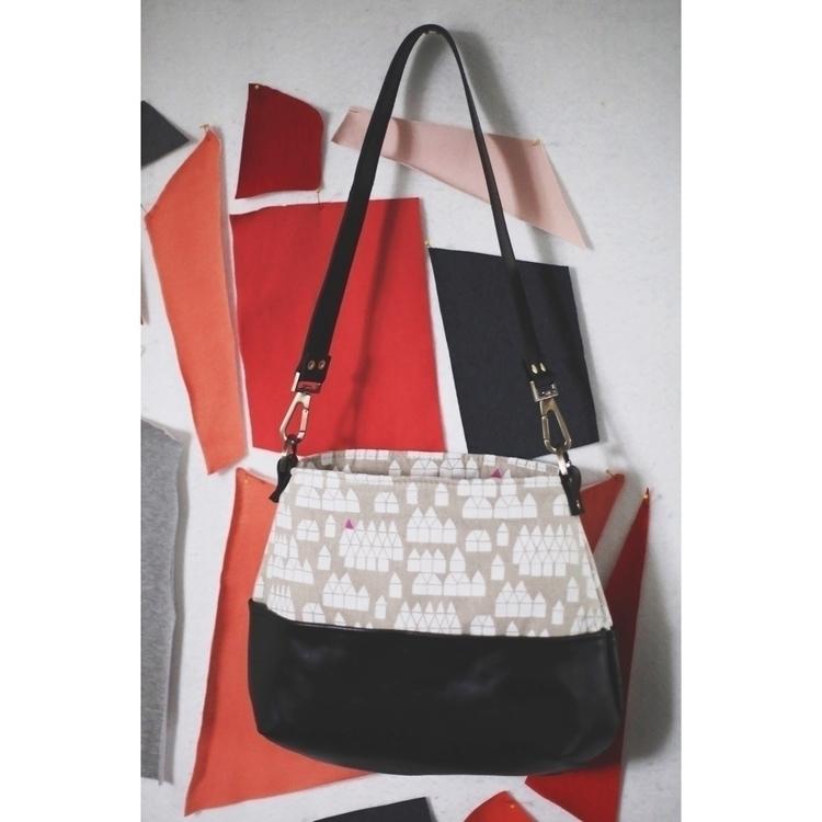 iteration Bucket List Bag linen - entropyalwayswins | ello