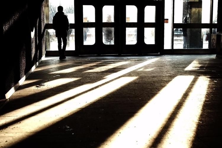 Oblique shadows - street, streetphotography - maximemartin   ello