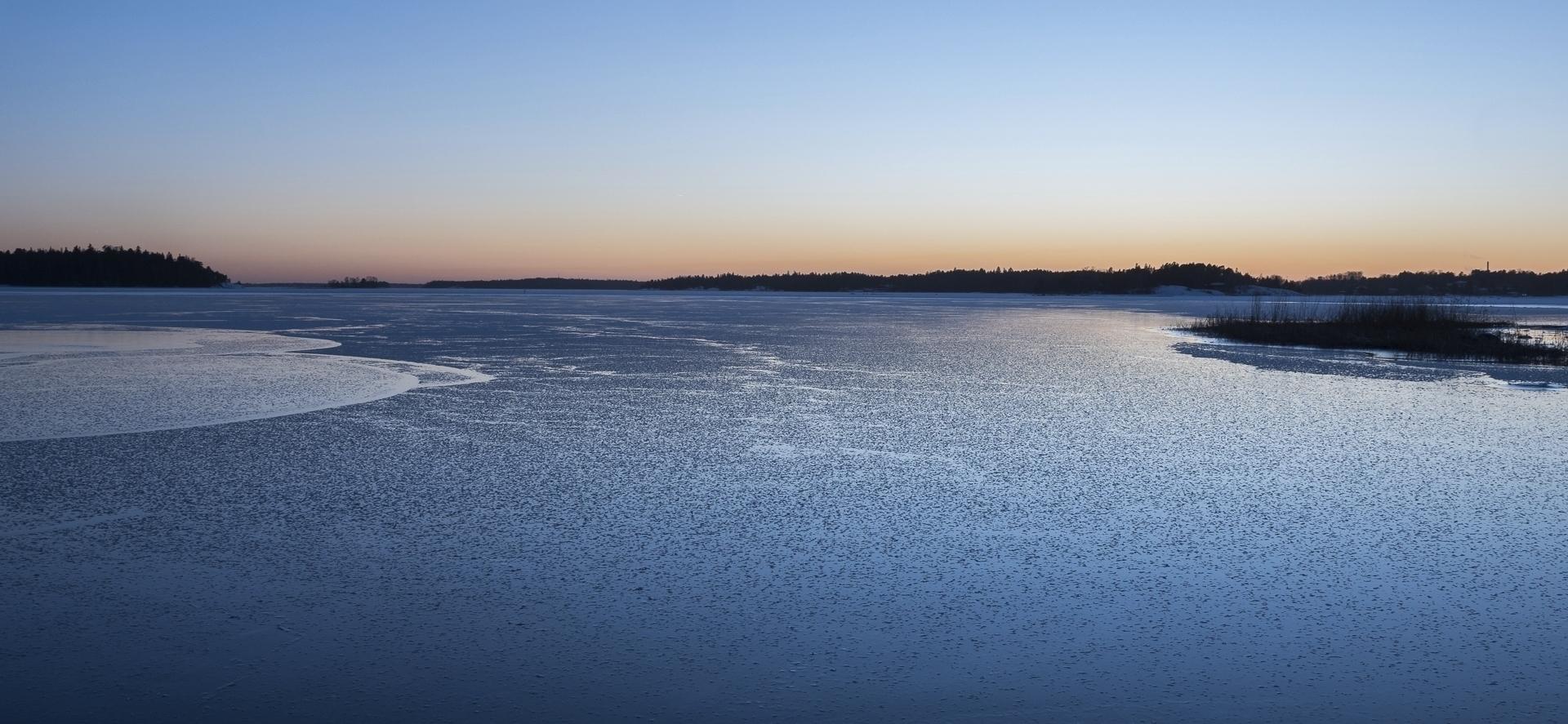 Ice flowers - photography, seascape - anttitassberg | ello