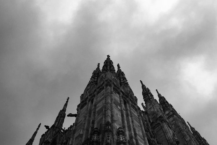 Iphone + PSD - Milano, Duomo, cathedral - guido_chiabrera | ello