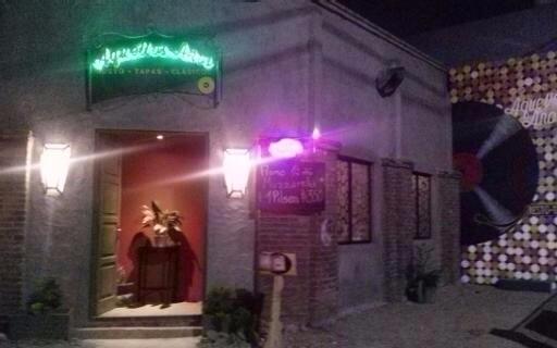 Resto Bar. Varerla 788 ,Maldona - jotacefer | ello