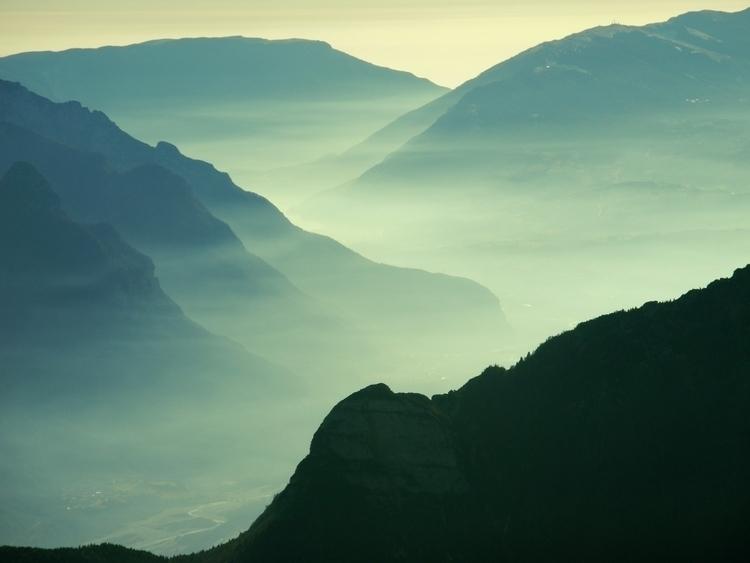 year mountain  - artemilio | ello