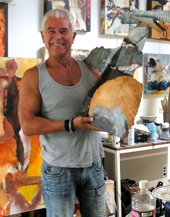 finished wooden sculpture  - publiart   ello