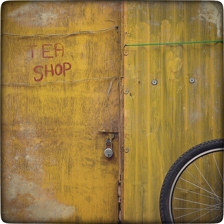 - yellow,, teashop,, bicycle,, lock, - inthatsmallcafe | ello