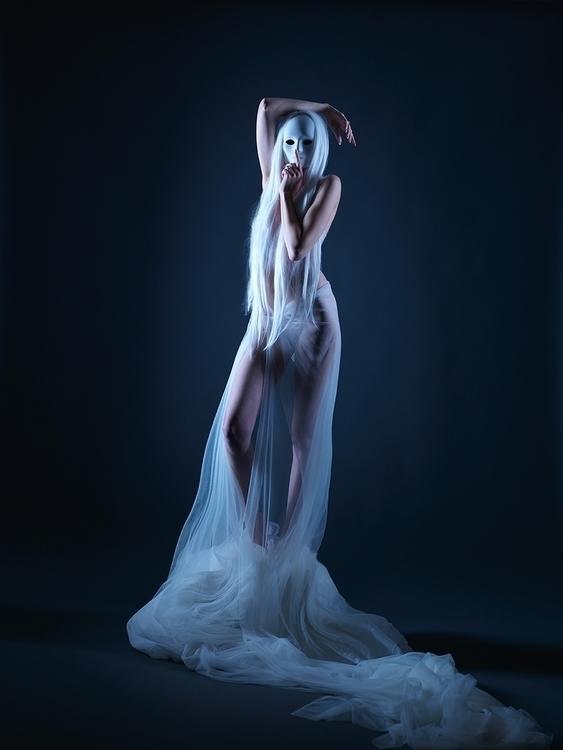 Photographer:Donte Tidwell Mod - darkbeautymag | ello