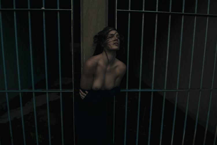 Photographer: Jeremy Gibbs -Ro - darkbeautymag | ello