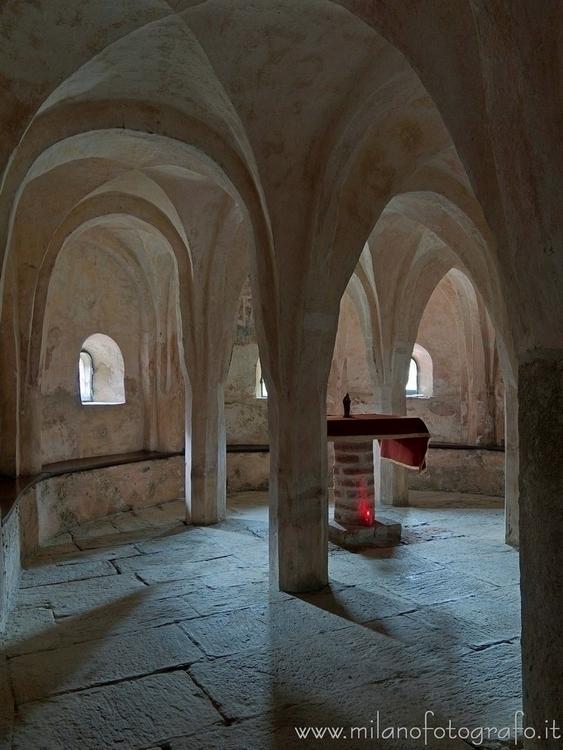 ( , ): Crypt Church San Michele - milanofotografo | ello