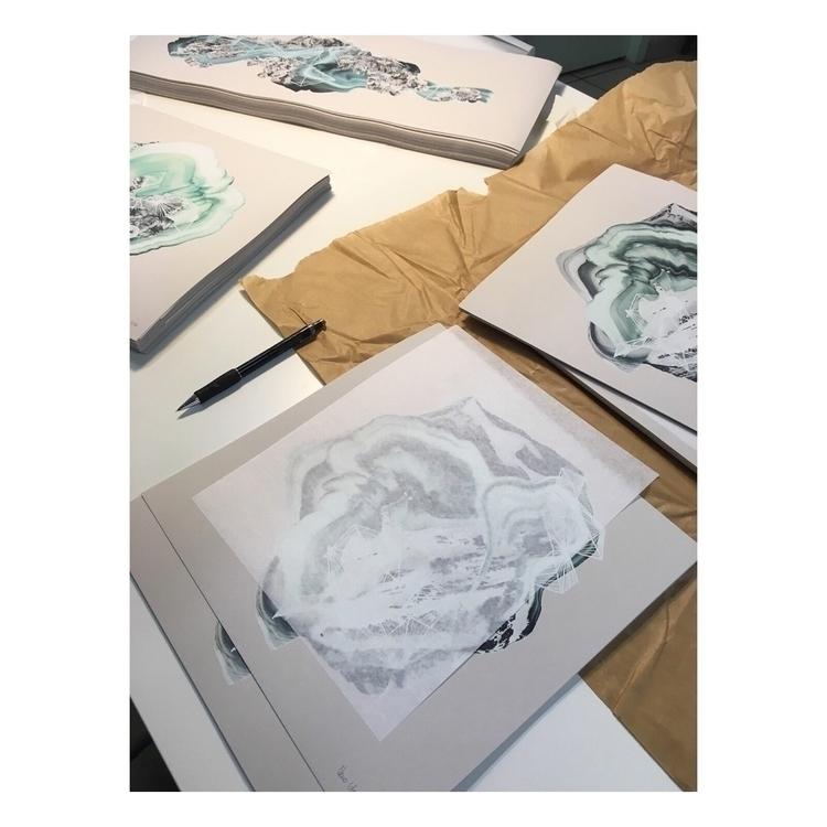 Signing silkscreen prints editi - veroglezqui | ello