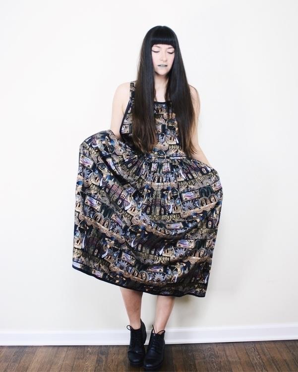 Egyptian print dress wearing pl - neoncart   ello