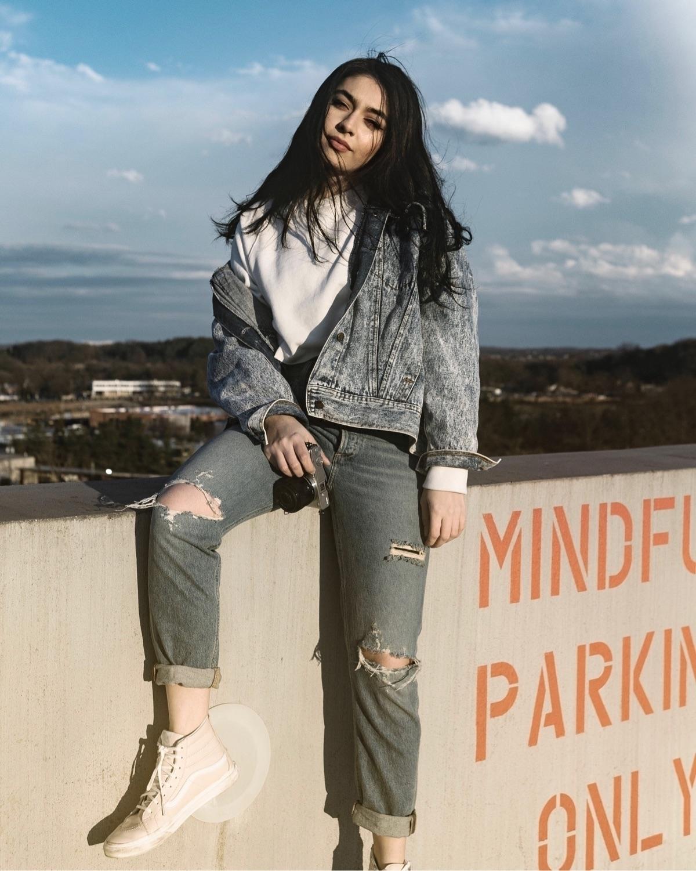 Sarah - dc, streetwear, fashion - thekevinj | ello