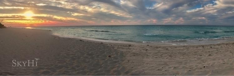 beautiful Cuban sunset! Full - ocean - bmroche | ello