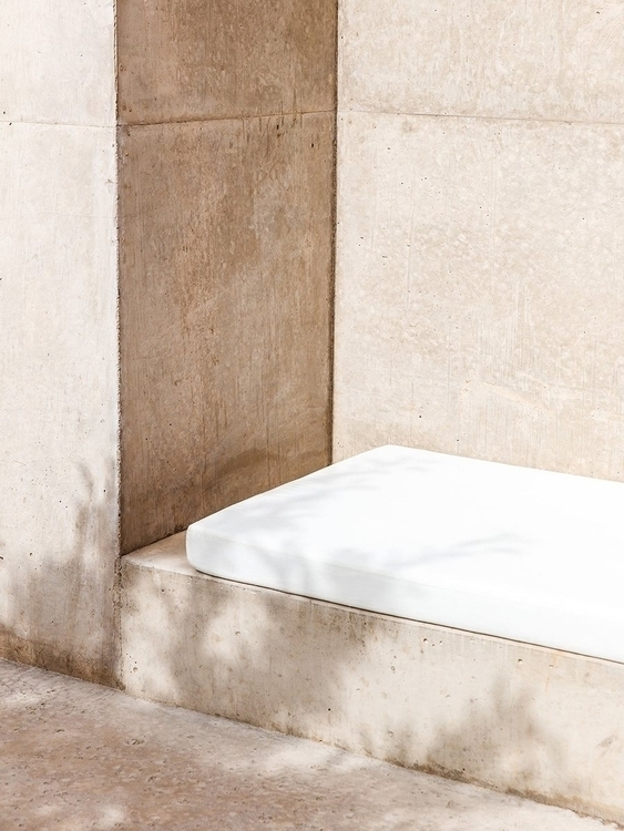 Outdoor seating niche. Amangiri - upinteriors | ello