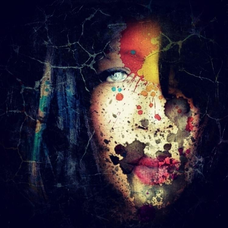 Serial Creative - light, eyes, women - johnjulespaula | ello