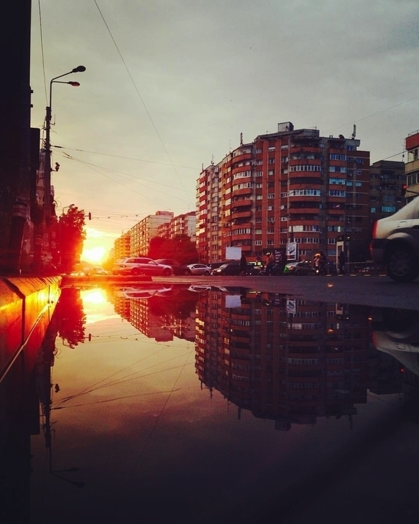 Sunrise Bucharest - cataluna | ello