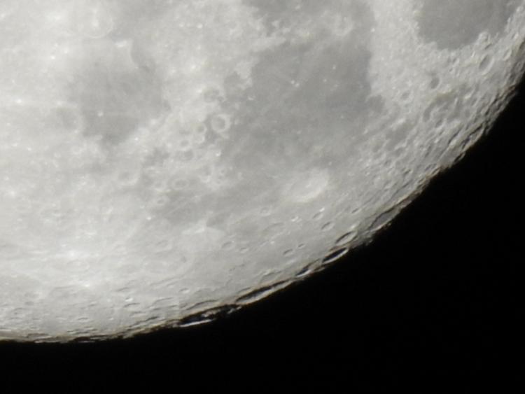 moon series P900. (2017) Mornin - edwinphotos | ello