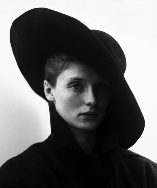 Impressive Black White Portrait - photogrist | ello