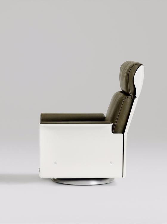 3 Good design aesthetic. chair  - vitsoe | ello