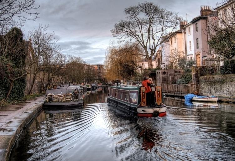 Narrowboat - traditional Englis - neilhoward | ello