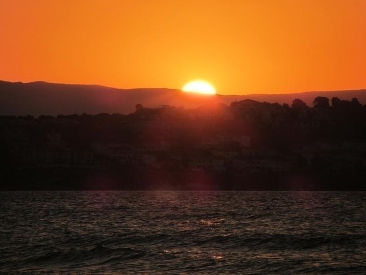 :sun_with_face:#Gunes - Sun, Unreal - willmoller | ello