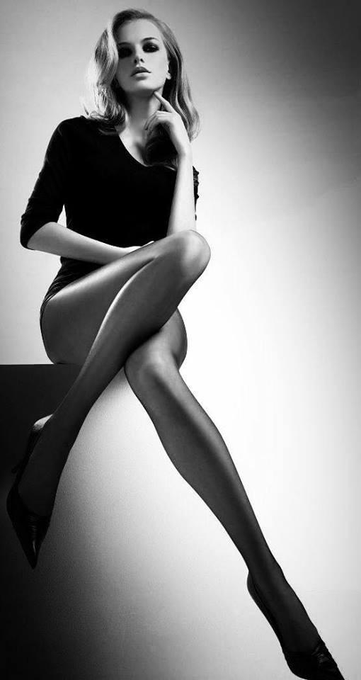 Seduction beauty ; generous, in - lolosbri | ello