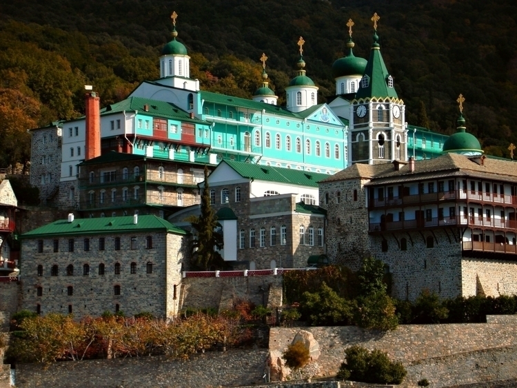 St. Panteleimon monastery, Auto - mairoularissa | ello