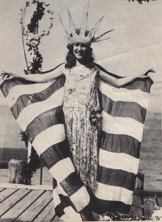 America 1921 super fleek today - fvck | ello