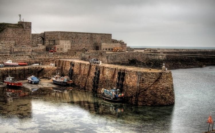 Harbour Alderney - Fort Grosnez - neilhoward | ello