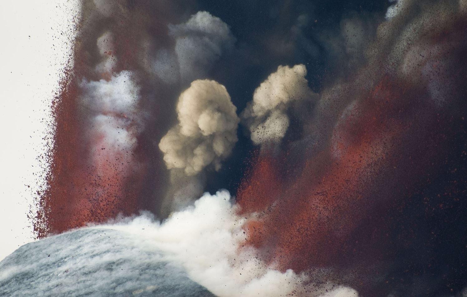 Mount Etna, Active Volcano sici - valosalo | ello