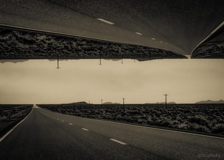 Crossroads. (Illustration: 2017 - ottok | ello