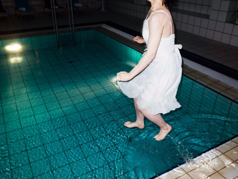 01 - pool, bride, jump, dream, surreal - benjaminpfau | ello