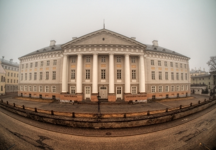 Tartu University - main buildin - neilhoward | ello