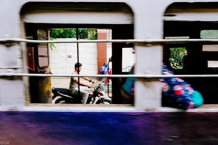Calcutta Chromosomes - Frame - street, - sat1974   ello