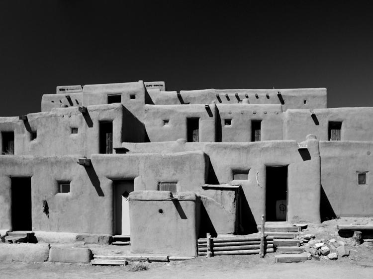 Taos Pueblo Nr. 2 ancient puebl - junwin | ello