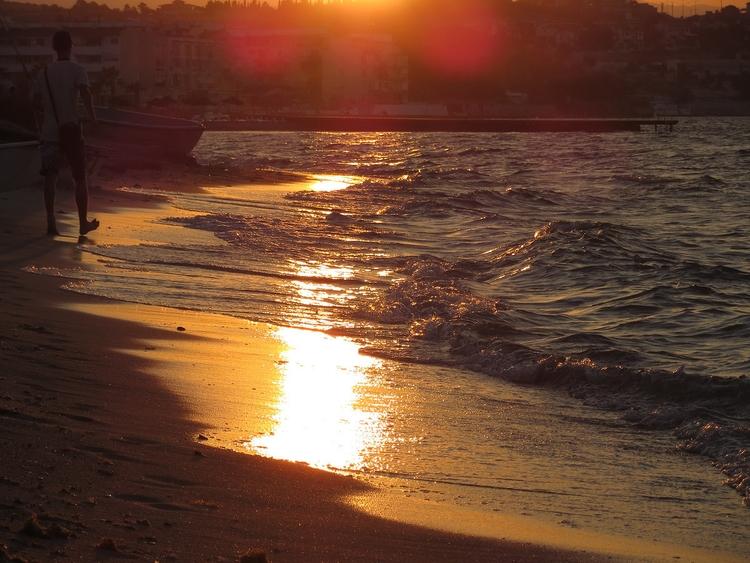 Sun:sun_with_face:#Gunes, Sea - willmoller | ello