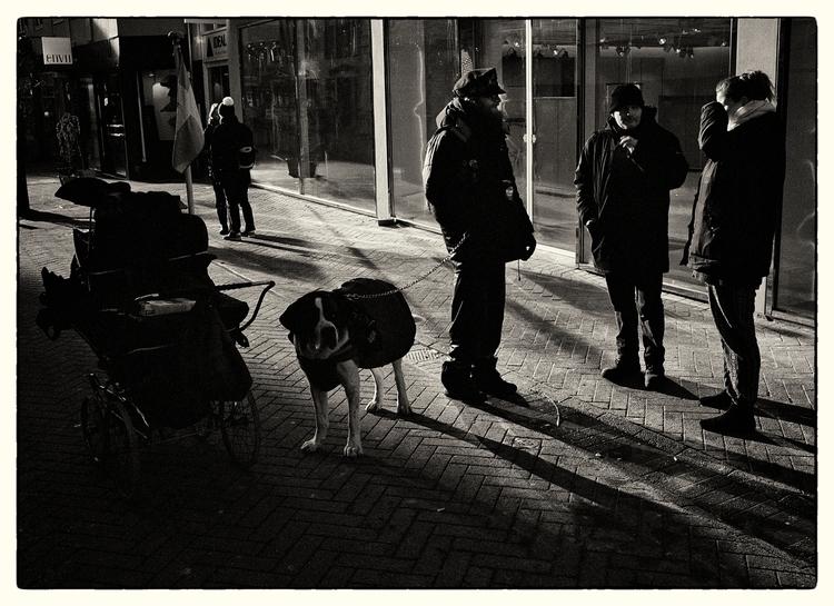 Fragment - AQuietTalk, HomelessMan - sselvejer | ello