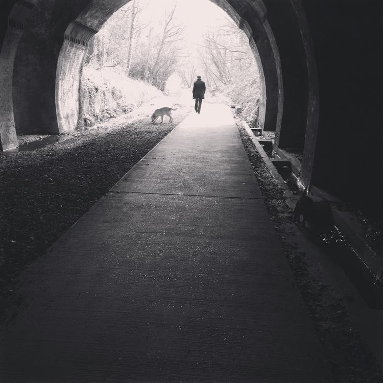 Light tunnel - icerolyuk   ello