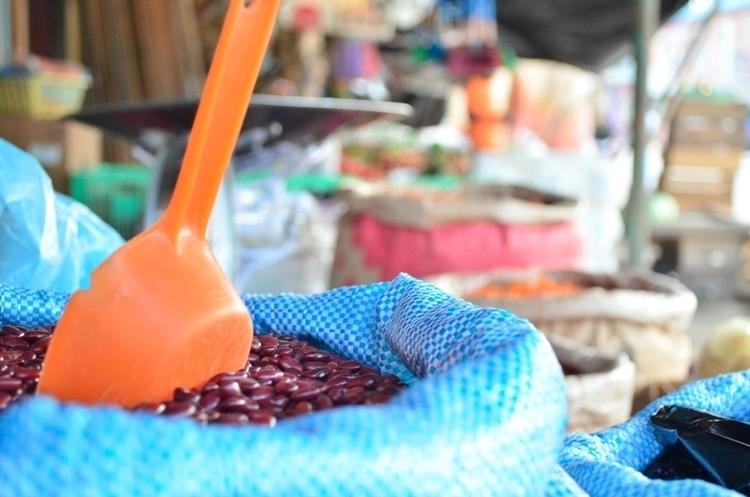 market Flores, shot Tikal Guate - locart | ello