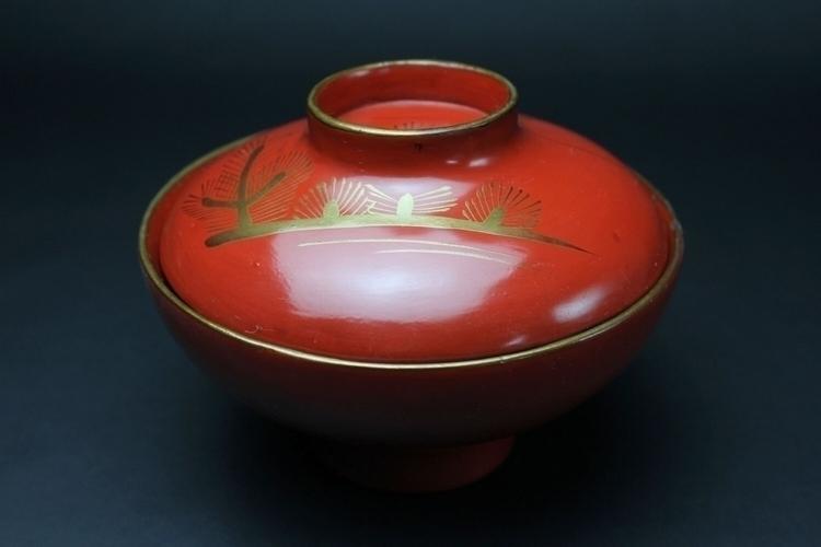beautiful set! 5 bowls lids. cr - futoshijapanese | ello