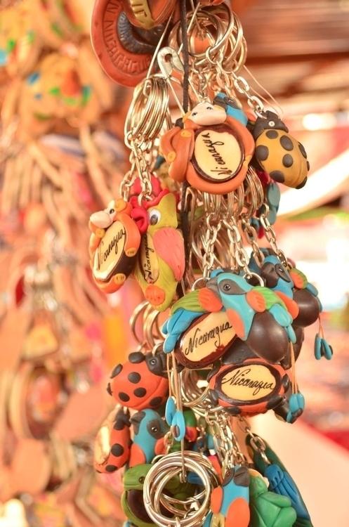 tourist market Leon - Nicaragua - locart | ello